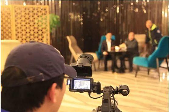 beepress10 1555406316 - 3D Camera Tracker AE三维摄影机跟踪视频教程 替换车辆车身广告标志